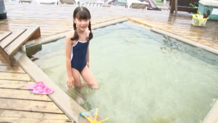 6年目のランドセル 「木村葉月」スクール水着全身立ち