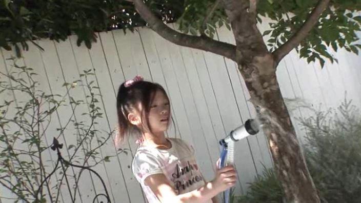 8歳の奇跡 「水谷彩音」洋服水まき