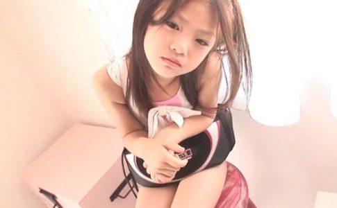 8歳の奇跡 「水谷彩音」レオタード腹筋器具