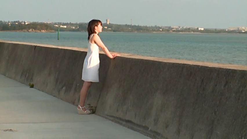 JCスマイル 「星野希」白ワンピース岸壁遠景