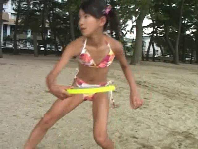 Jr. アート編「苺ゆい」花柄ビキニフリスビー
