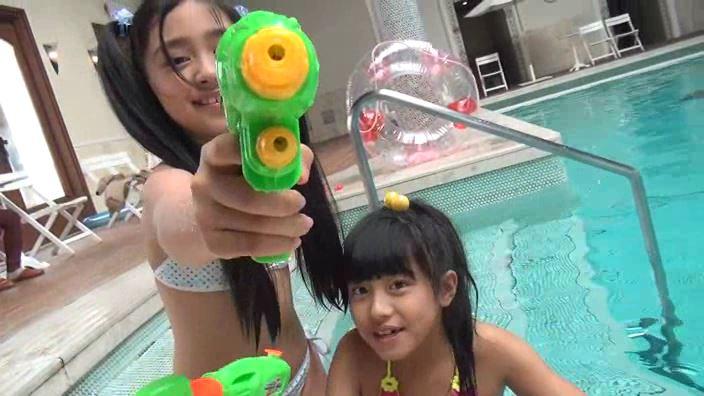 Little Princess Vol.17「ゆみか・水島ゆり」2人水鉄砲カメラ向け