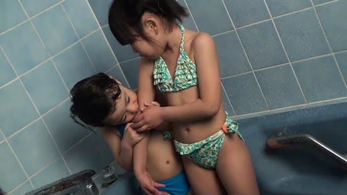 Little Princess Vol.16ビキニでお風呂