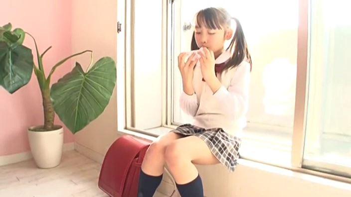 赤いランドセル 『4年生の新学期』「 青井せら」制服オカリナ演奏