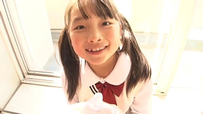 赤いランドセル 『4年生の新学期』「 青井せら」制服顔アップ
