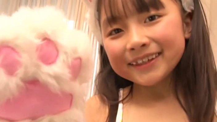 赤いランドセル 『4年生の新学期』「 青井せら」猫耳顔アップ