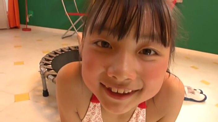 赤いランドセル 『4年生の新学期』「 青井せら」ハート柄ビキニ顔アップ