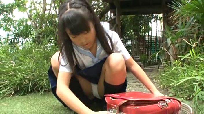 赤いランドセル 「村松奈々」制服パンチラ