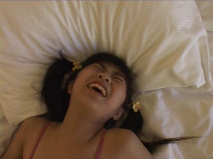 アロハ~ 「美月りん」レオタードピンクゆがむ顔
