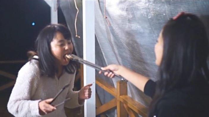 「美少女伝説 あさかの声、あやかの色 沖田彩花」バーベキュー食べ