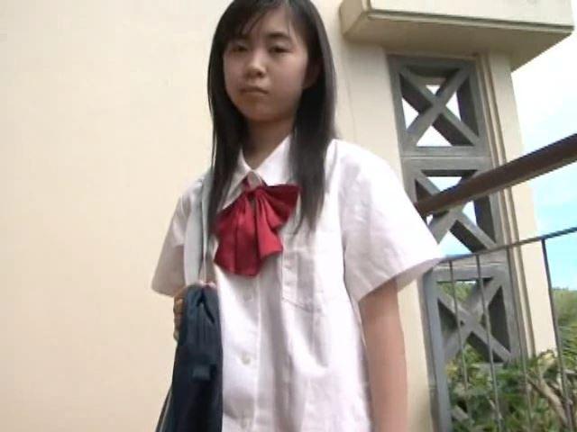 ボクのお姉ちゃん「美月りん」制服上半身立ち