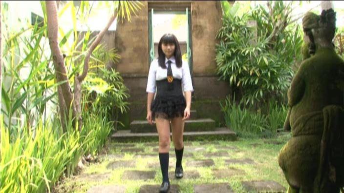 「ちかチャンみつめて~ 清水ちか」スカート全身立ち