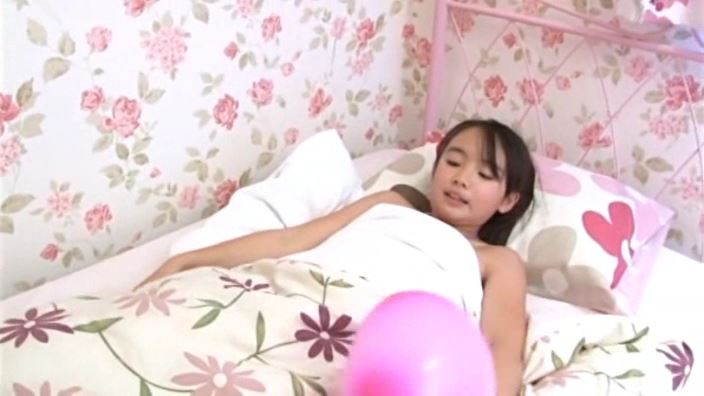 「チルチル Vol.73 えりかちゃん」タンク紫ビキニ睡眠