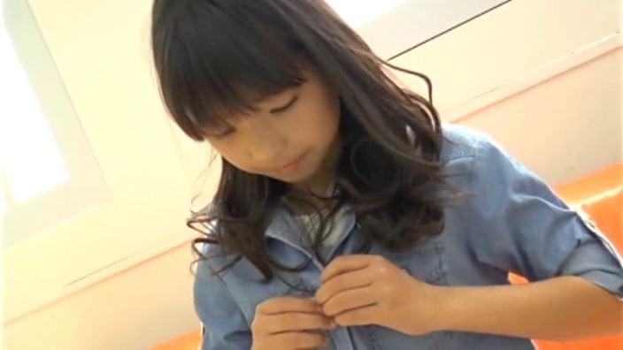 チルチル Vol.71 じゅなちゃん「じゅな」青シャツ展開上半身