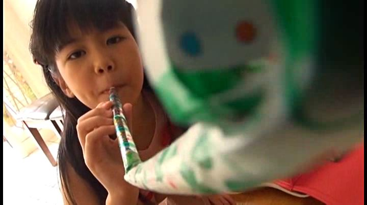 クラスのセンター!!! 「神山ななみ」笛のおもちゃ遊び