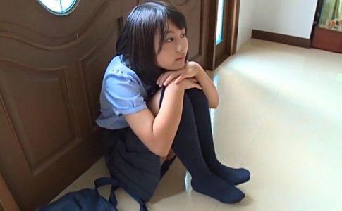 クラスのセンター!!! 2「花沢あい」制服しゃがみ