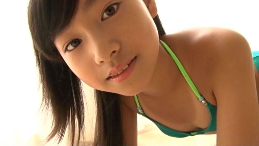 からふるれいんぼー 「早坂美咲」緑ビキニ顔から胸元
