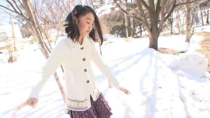 「ドレミファ空色 Vol.7 ゆみ」雪の中