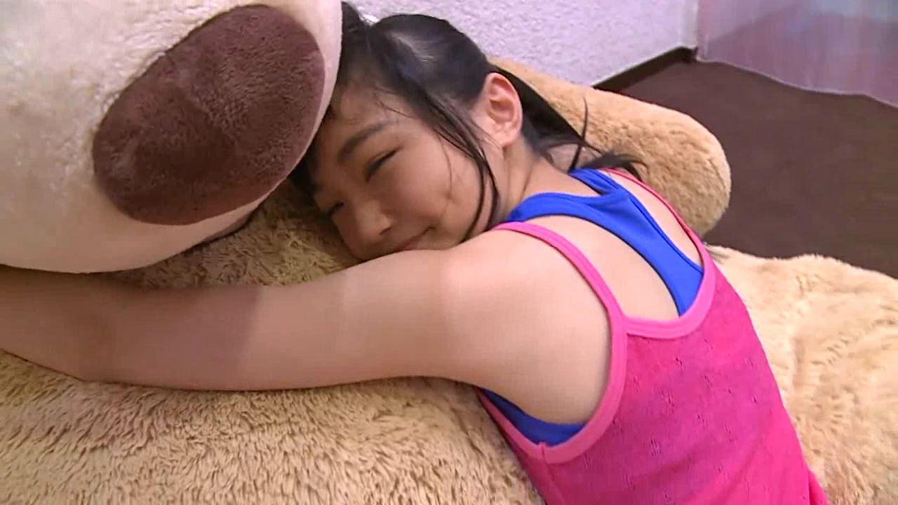 「はじめまして 学校なう! 見上瑠那」ピンクタンククマ抱擁じょうはんしん
