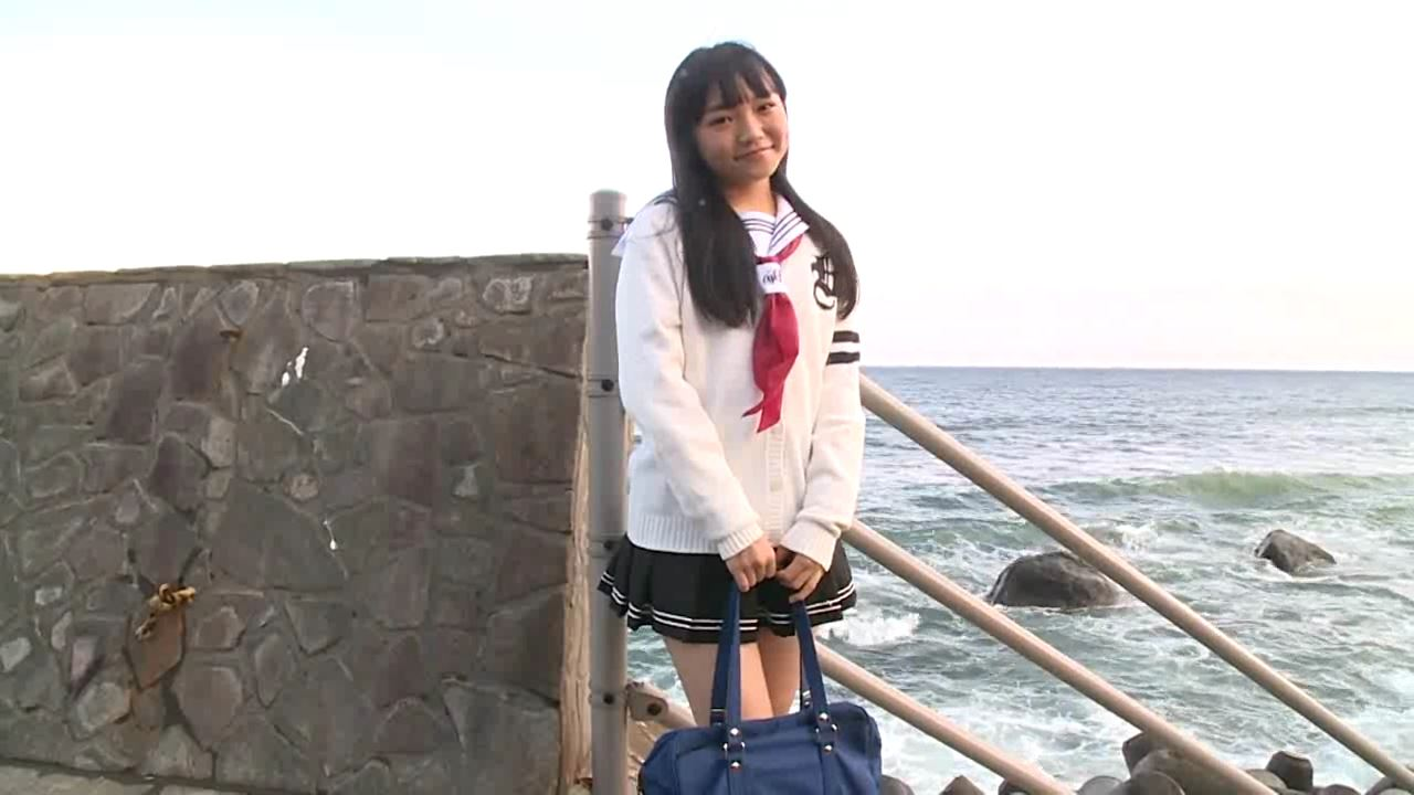 「はじめまして 学校なう! 見上瑠那」制服海辺立ち