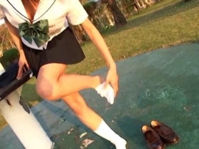 「はじめまして☆丸瀬苑子です。」制服靴下脱ぎ