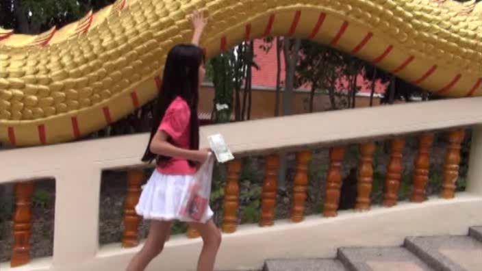 """""""花よりすみれ"""" とっておきの未公開秘蔵映像 「河合すみれ」ピンクTシャツ龍の階段"""