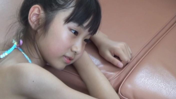 """""""花よりすみれ"""" とっておきの未公開秘蔵映像 「河合すみれ」水色ビキニ寝顔"""