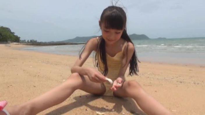 「花よりすみれ」河合すみれ黄色水着砂浜