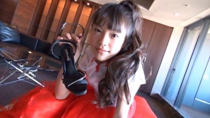 ハローハロー Vol.03「さわこ」赤スカート上半身ヒール