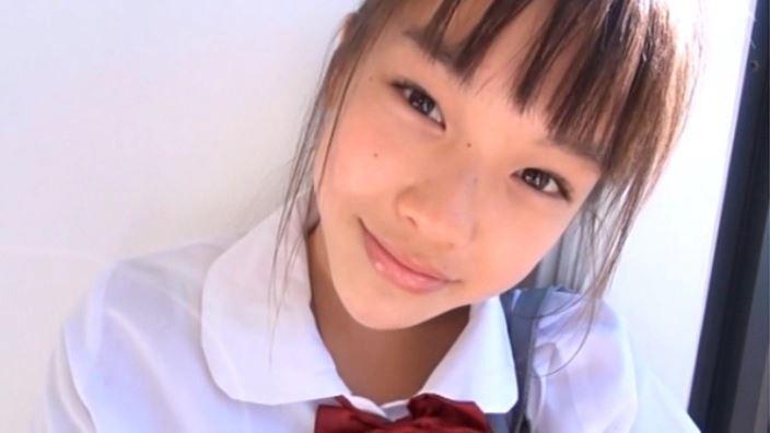 ハローハロー Vol.03「さわこ」制服顔アップ