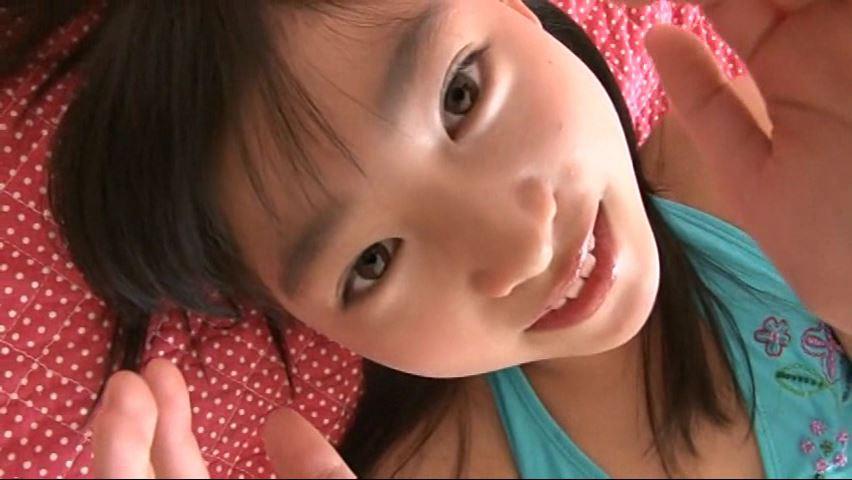 ひまわり11号「早坂美咲」緑ビキニ顔接近