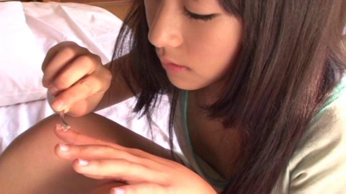 ハイッ!みさきです。「小沢岬」部屋着ネイル塗り