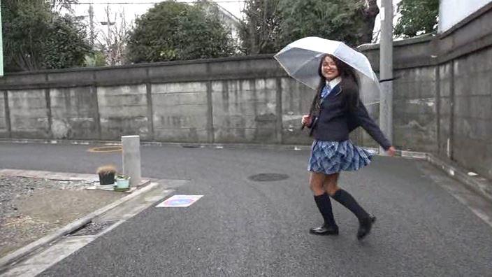 「放課後のキミ。 沖田彩花」制服全身屋外