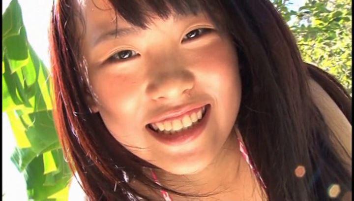 MOMO Kiss 芹沢百々【画像】05
