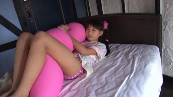 いちごミルク「野村苺花」ピンク水玉ビキニ抱きマクラ