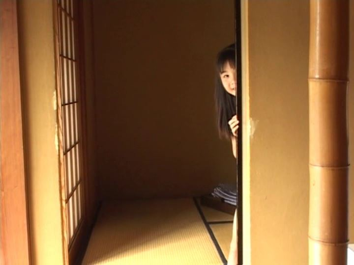 伊豆物語「三浦璃那」水色タンクふすま