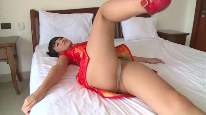 「J-chu- 亜沢光」赤チャイナあおむけベッド
