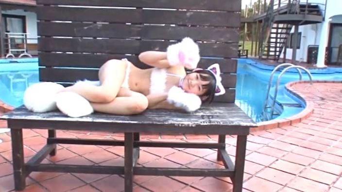 「JCスマイル 見上瑠那」猫耳寝転びベンチ
