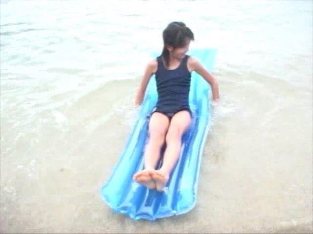 「Jr. ポップ編 苺ゆい」スクール水着青マット