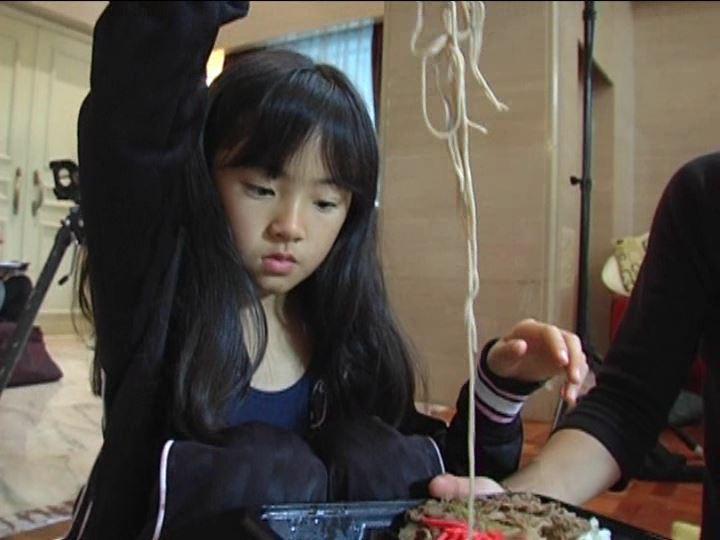 「金子美穂 9歳」そば食べ