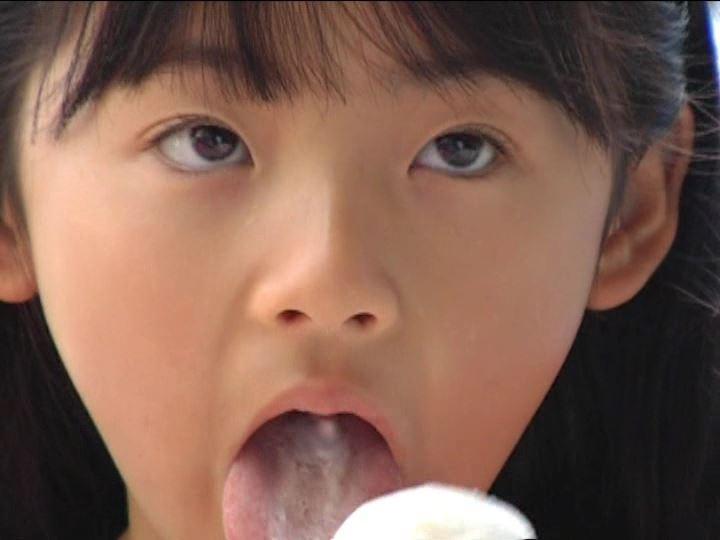 「金子美穂 9歳」スクール水着アイス舐め