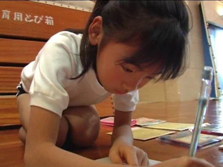 「金子美穂 9歳」ブルマ絵描き