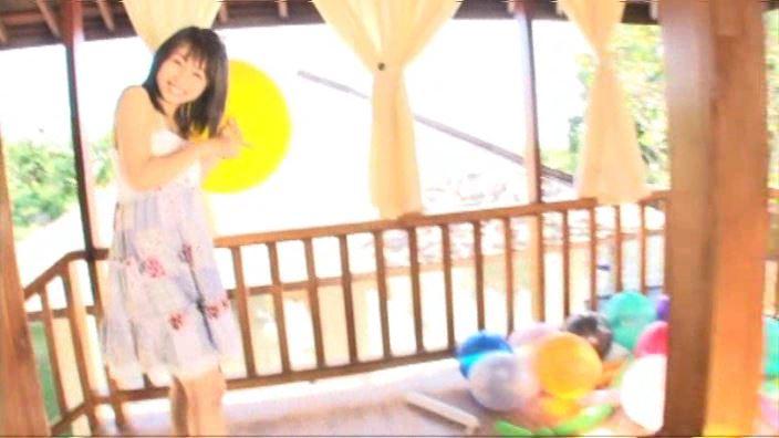 「キラリ☆MISAKI 森実咲」スカート白ビキニ風船