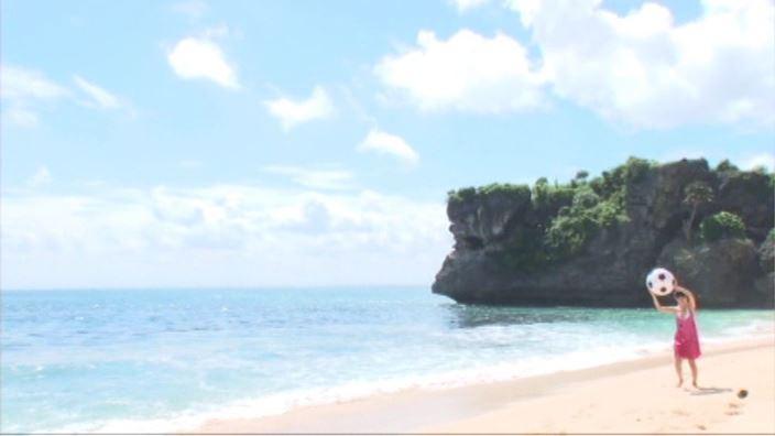 「キラリ☆MISAKI 森実咲」水色ビキニ浜辺遠景