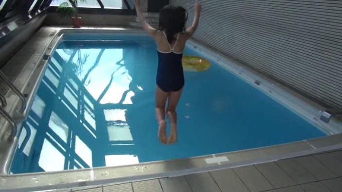 「ミスMガールズ Vol.10 柊宇咲」スクール水着飛び込み