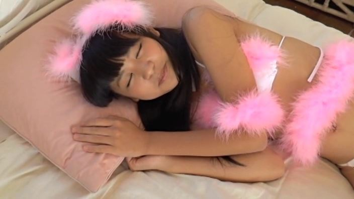 「MIU 野村苺花」猫耳横向き睡眠