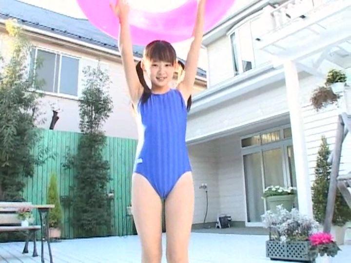 まい☆らぶ 「森下真依」競泳水着立ち浮き輪