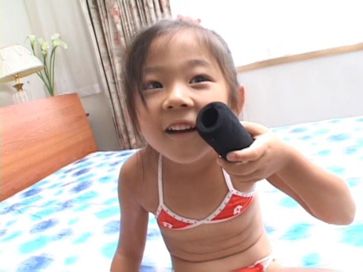 「ねねちゃん 6歳 寧々(ねね)」オレンジビキニマイク