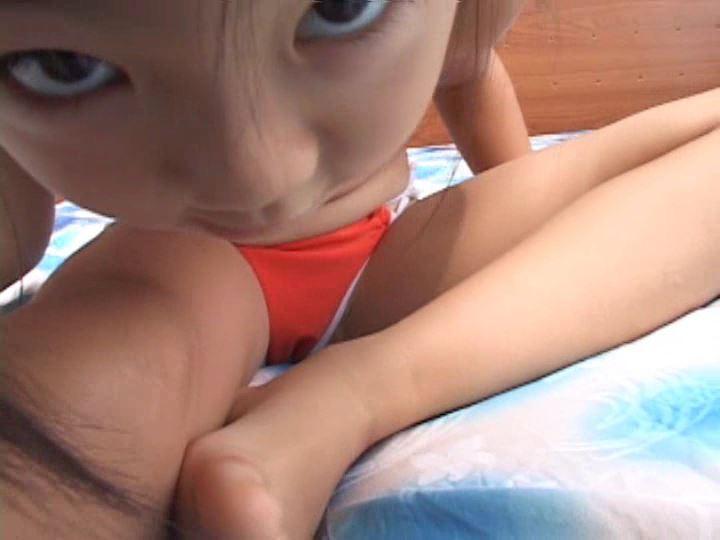 「ねねちゃん 6歳 寧々(ねね)」オレンジビキニガン見スジ