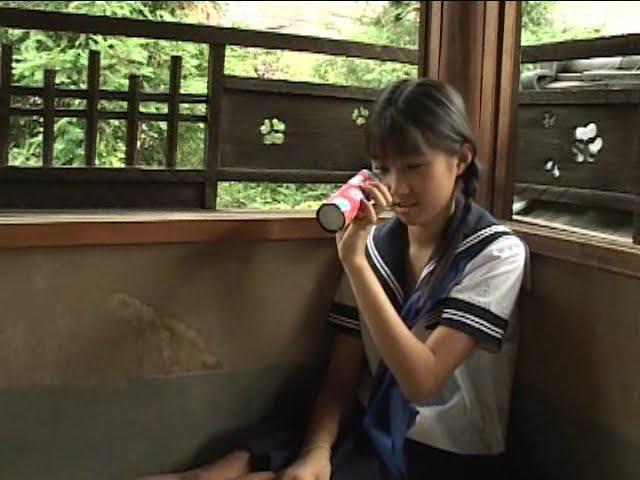 西文美「ほほえみオレンジ」セーラ服万華鏡